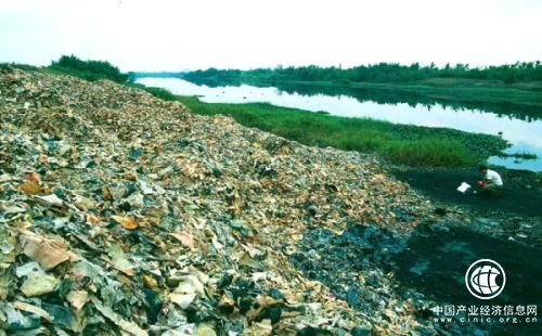我国每年产生固体废物超100亿吨 污染防治形势严峻