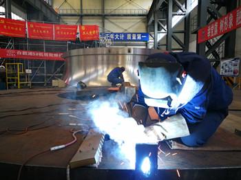 东方电气集团疫情防控精品生产两不误 保障经济稳步发展