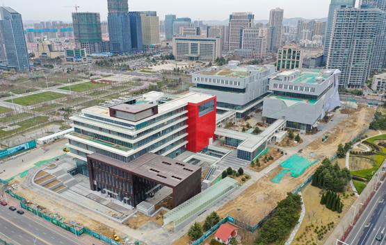 又一重点民生工程落地 青岛西海岸市民中心竣工